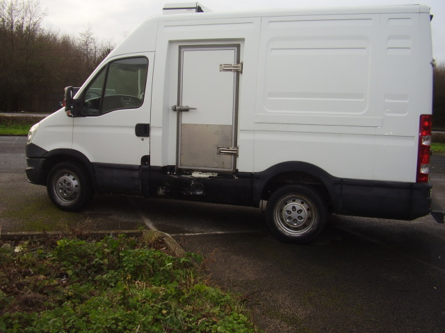 2013 Iveco daily fridge van:154,000 miles, drives very well £3,250.00 04Zbg5kfdhkqEPkxLtTb6E.jpg